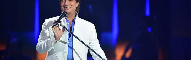 Roberto Carlos faz show exclusivo para as mulheres em SP