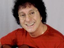 Silvio Brito promove novo single